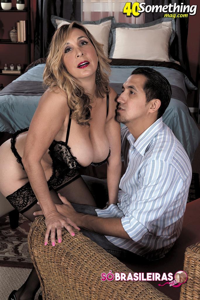 Mulher loira gostosa em fotos de sexo