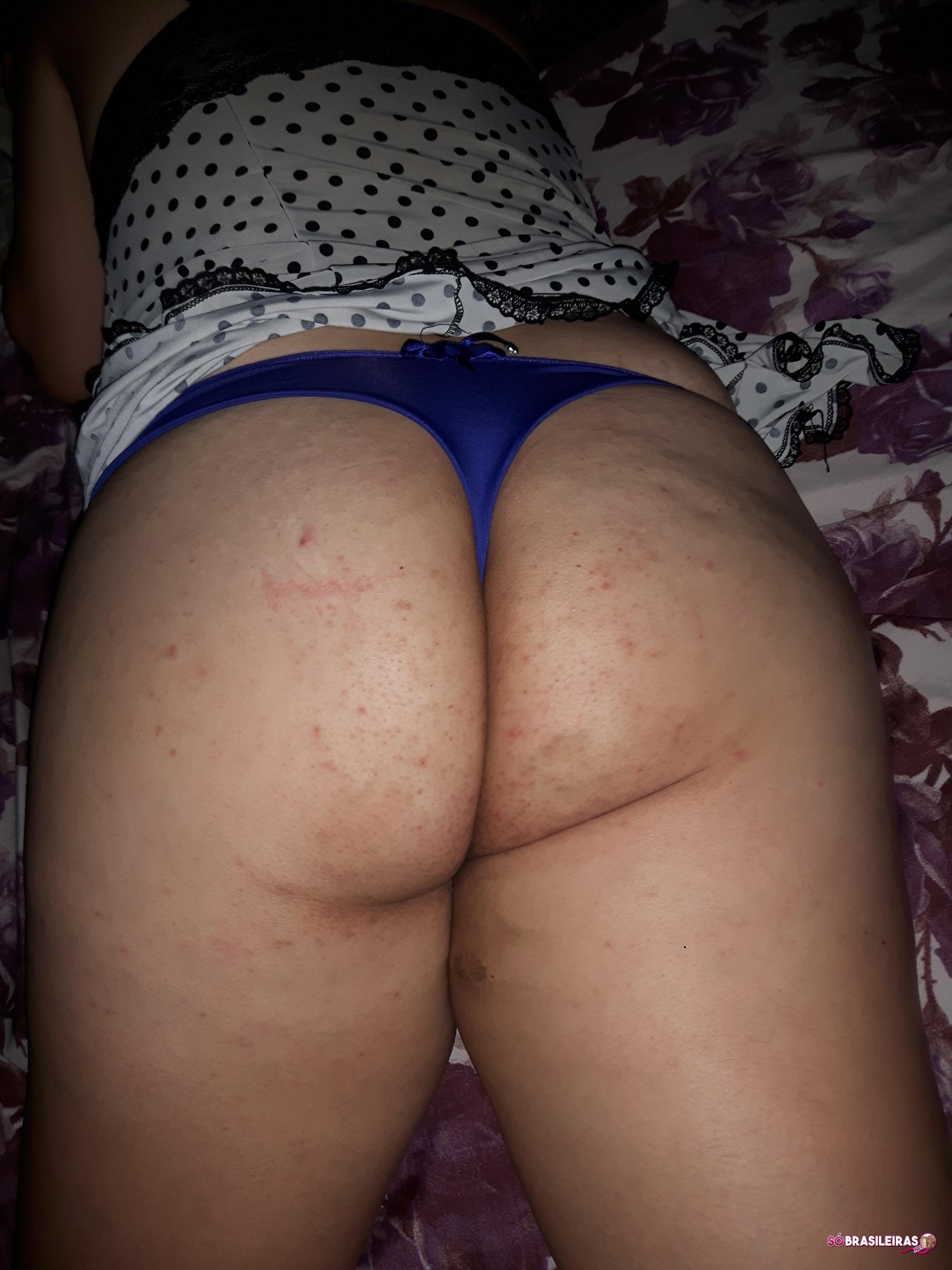 Esposa gostosa em fotos de sexo